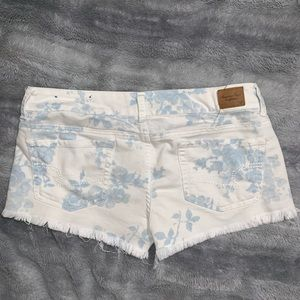 American Eagle Outfitters Shorts - Denim floral print shorts